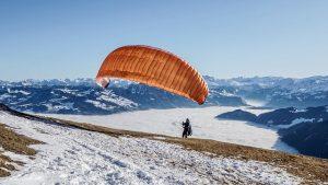 paraglider-4806383_640