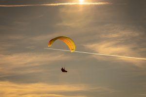 paragliding-4015566_640